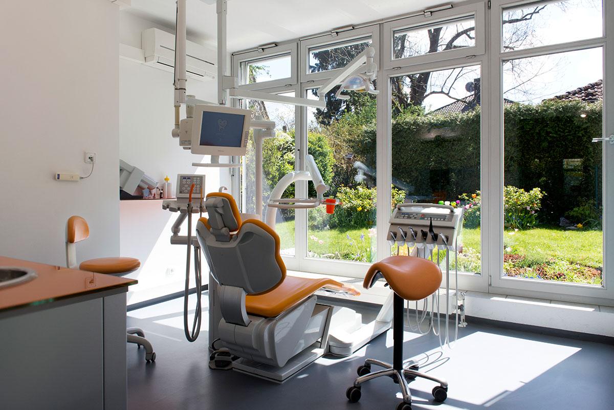 Firmenportrait einer Zahnarztpraxis mit Fotoaufnahme vom Behandlungszimmer |Felix Krammer Fotografie
