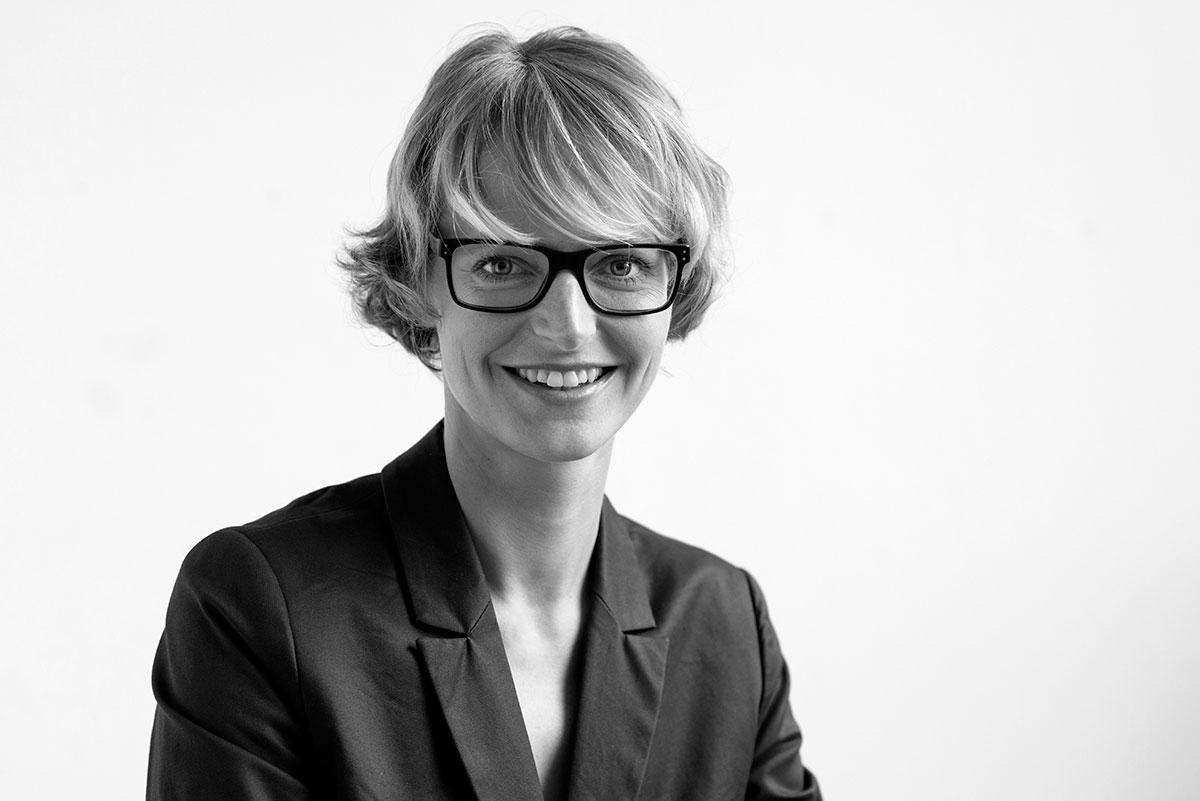 Businessfotografie einer Mitarbeiterin des Deutschen Jugendinstituts |Felix Krammer Fotografie